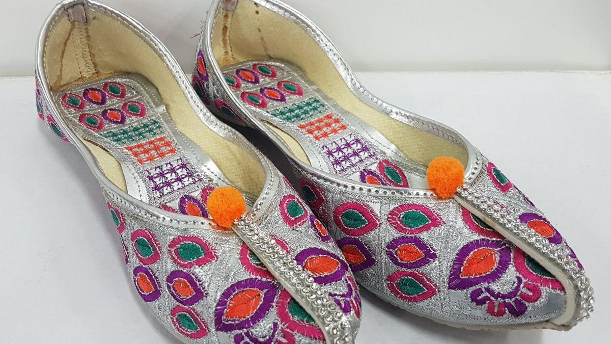Fresh Arrival of Designer Punjabi Juttis